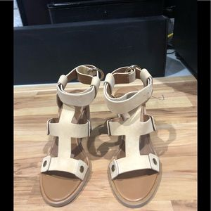 Frye sandals size 9 new